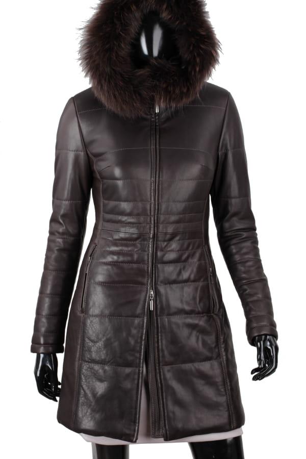 Jesienno - zimowy płaszcz marki Rick Cardona. Pikowany, wiązany pasek (szlufki). Szalowy kołnierz zapinany na guzik, przechodzi w duży kaptur.